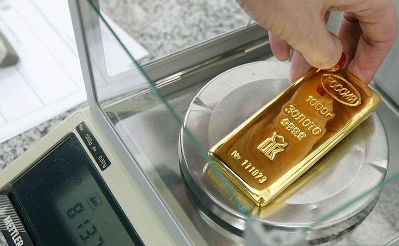 Emas turun di Asia, naiknya imbal hasil obligasi AS kurangi daya tarik