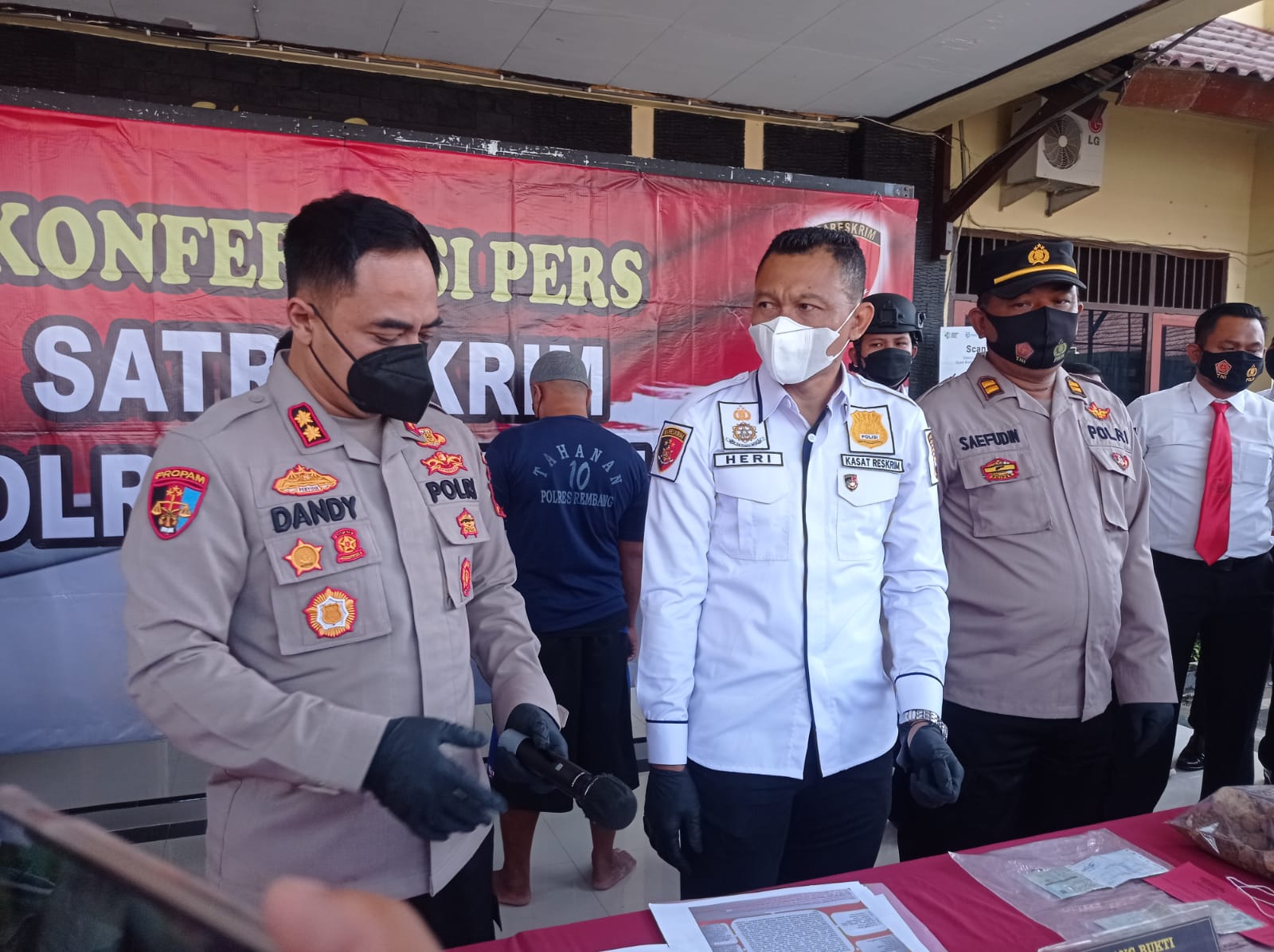 Pengembangan kasus tambang ilegal, polisi tetapkan 2 tersangka pemilik senpi ilegal