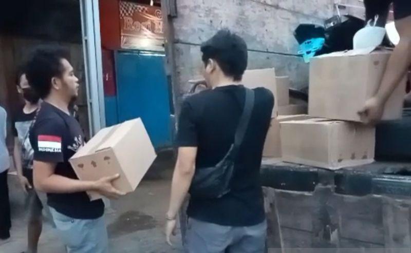 Polisi sita ratusan botol minuman keras dijual ilegal di Garut