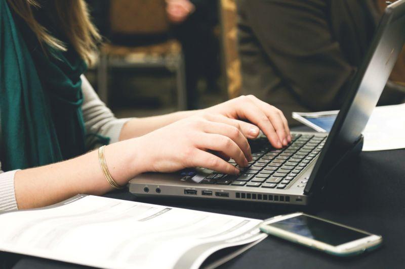 Asma Nadia bagikan kiat menulis novel di aplikasi digital