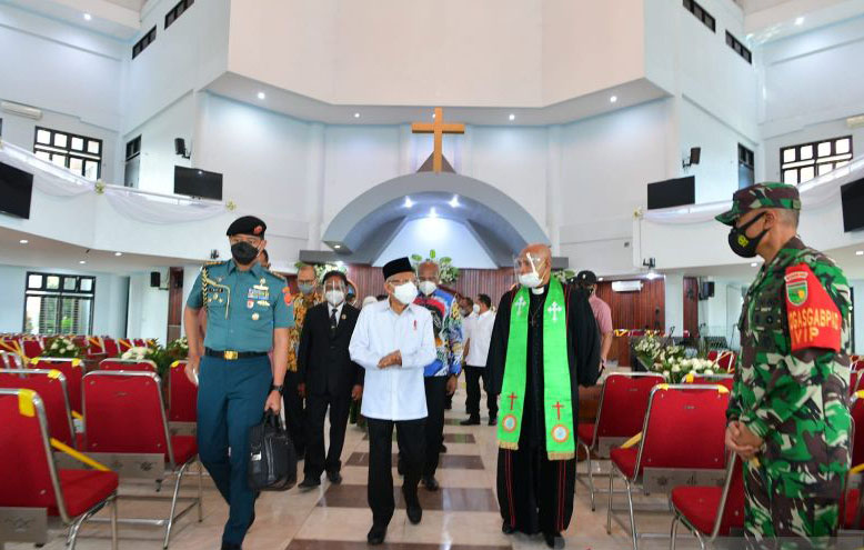 Wapres berkunjung ke GKI Pniel Kotaraja Jayapura