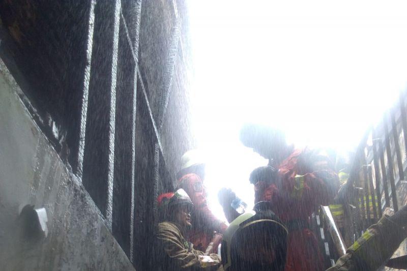 Kebakaran terjadi di sebuah warung soto di Sawah Besar