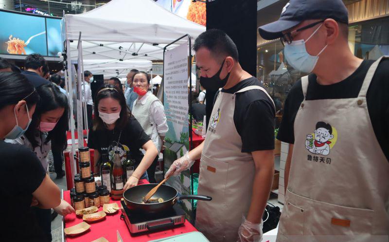 Lapak makanan-minuman Indonesia diminati di Shanghai