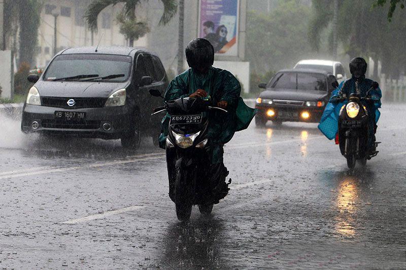 BMKG: Waspada hujan disertai petir di sejumlah wilayah Indonesia