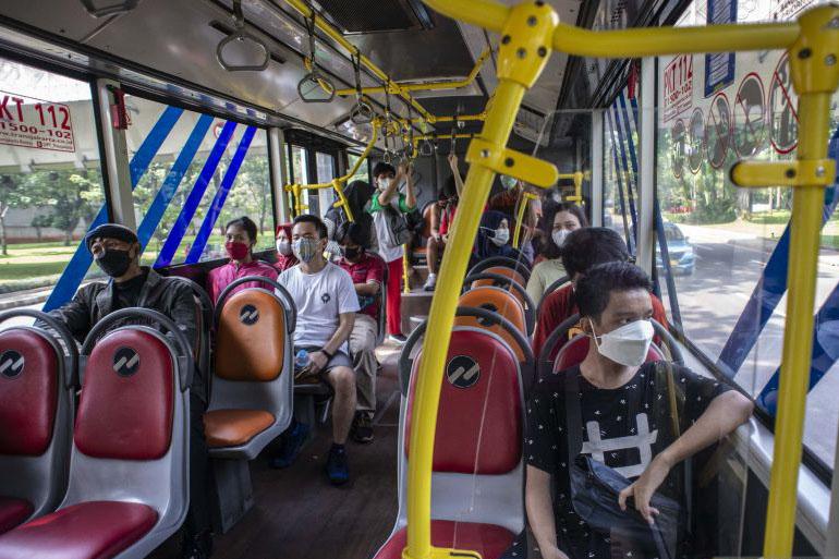 TransJakarta lakukan penyesuaian rute imbas aksi massa di Monas