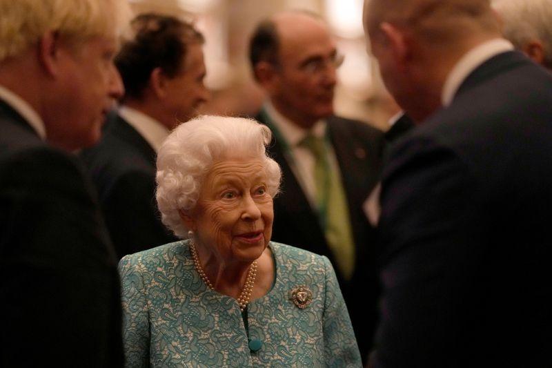 Ratu Elizabeth diminta istirahat oleh dokter