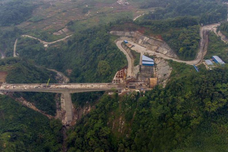 Pembangunan Kereta Cepat Jakarta-Bandung sudah 79 persen