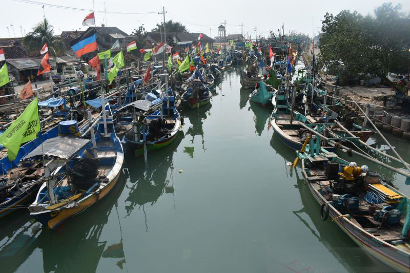 Solar menjadi tumpuan harapan nelayan di Kabupaten Gresik