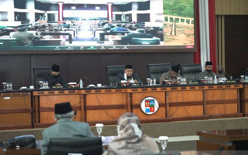 Pemkot Bogor serahkan rancangan APBD tahun 2022 sebesar Rp2,3 triliun