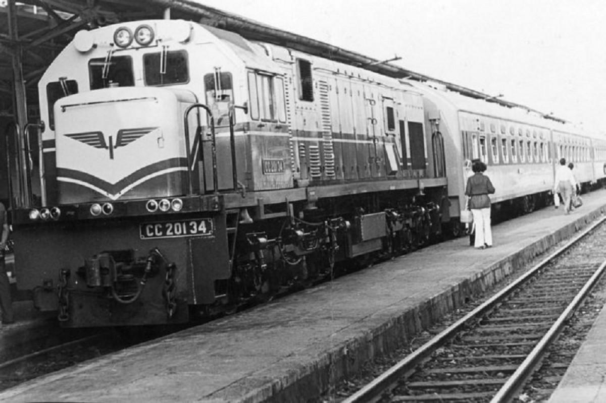 14 Oktober 1978: Peluncuran kereta api Senja Utama Solo