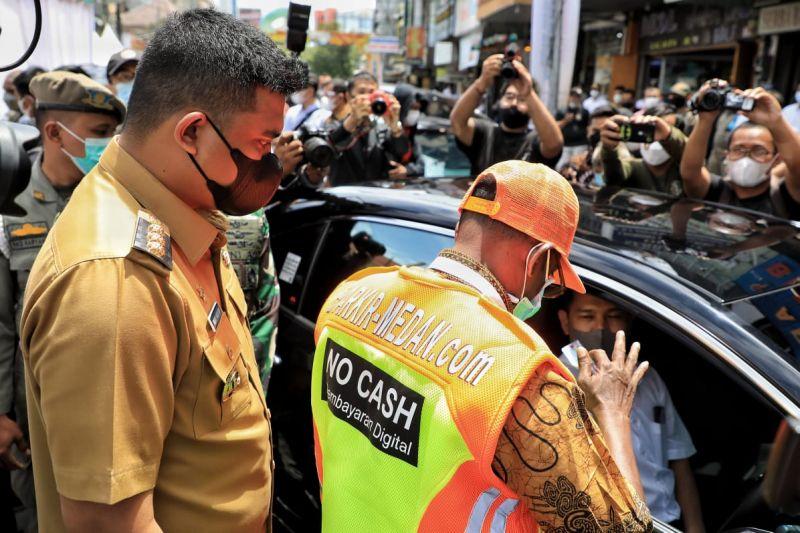 Wali kota resmikan e-parking di 22 titik di Medan