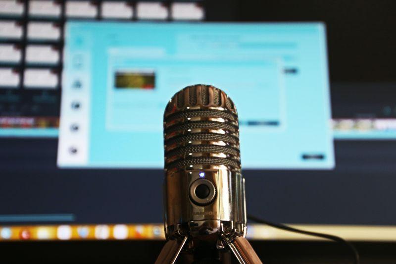 Pembuat konten di Bandung unjuk gigi di platform streaming audio