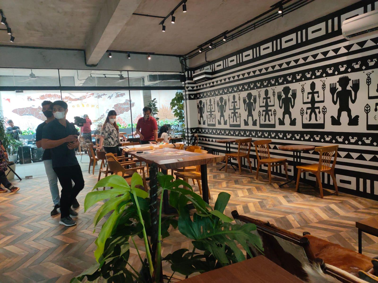 Usung konsep etnik dan homey, kedai Kopi Bajawa Flores hadir sambil beramal