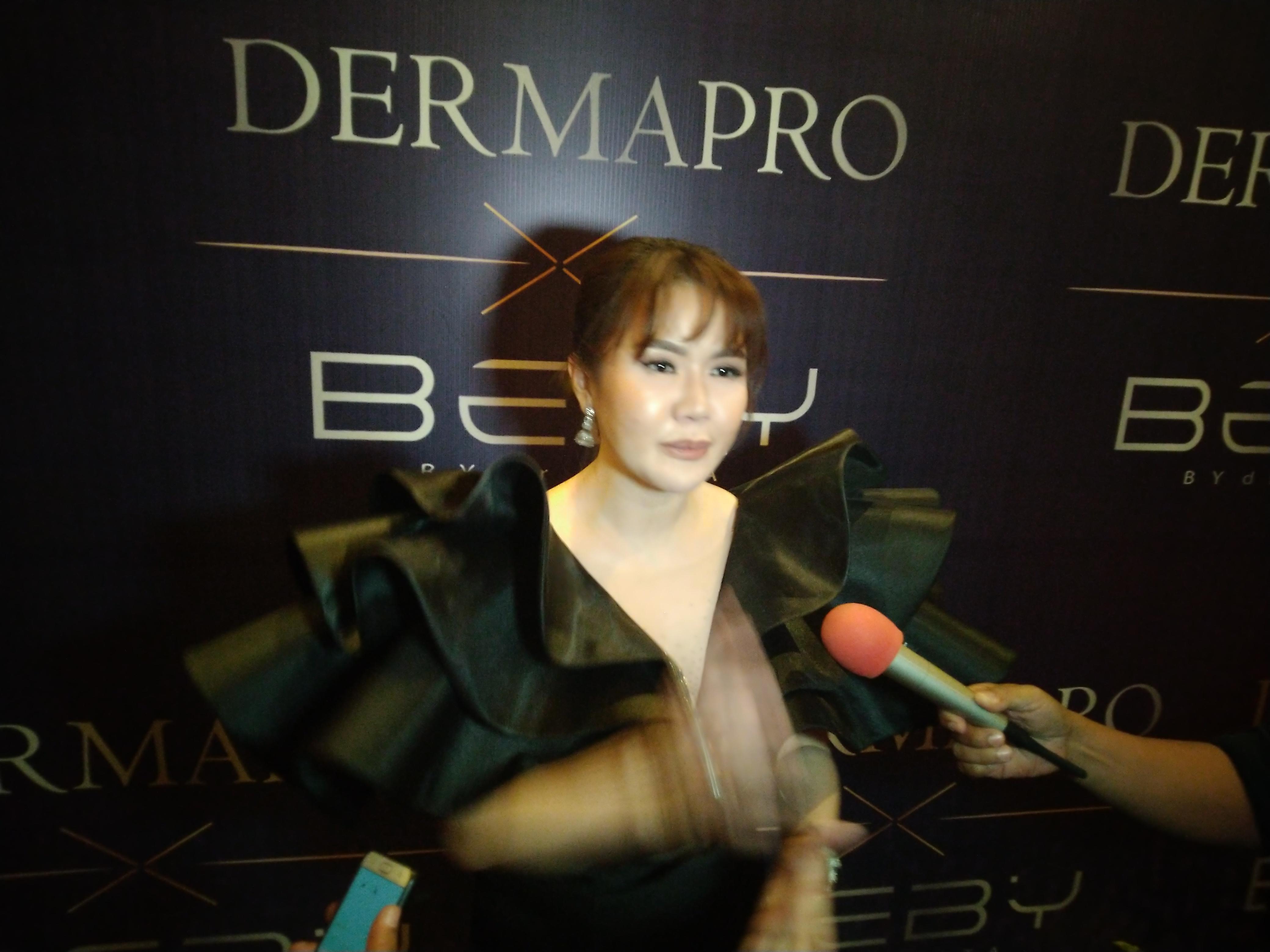 Ultah Klinik Kecantikan Derma Pro dihadiri artis-artis