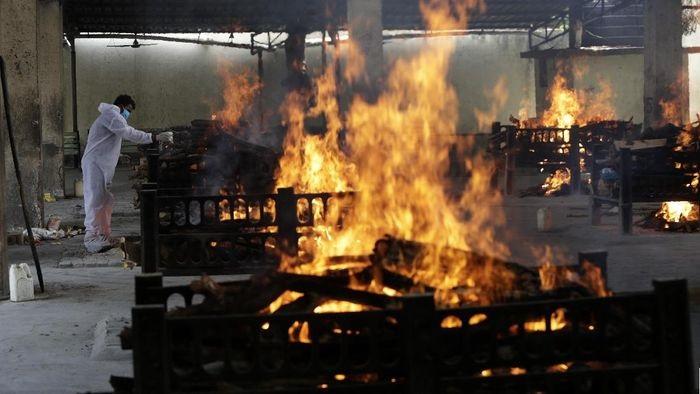 Memilukan, kremasi masal di India