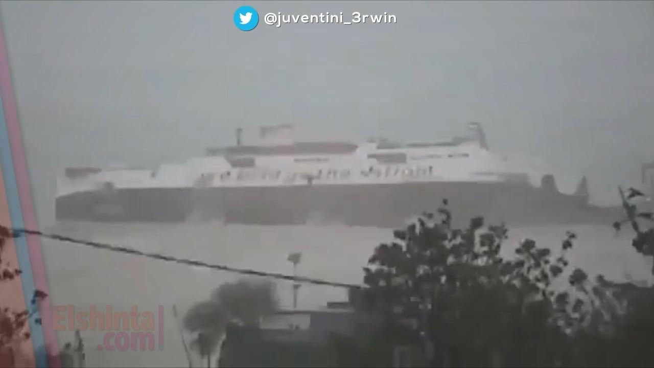 Kapal Ferry tenggelam dihantam gelombang di NTT