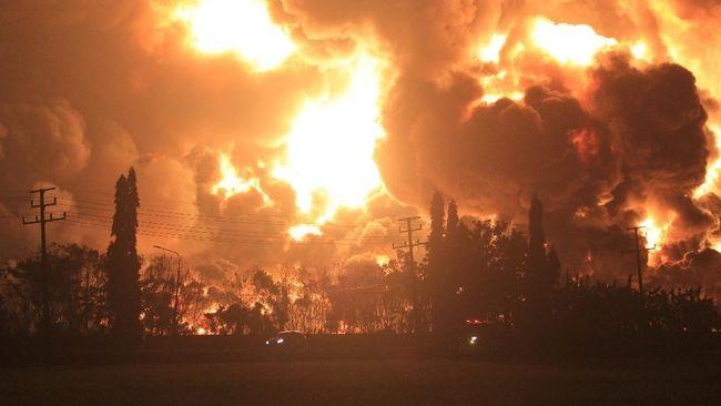Kilang minyak Pertamina di Indramayu terbakar