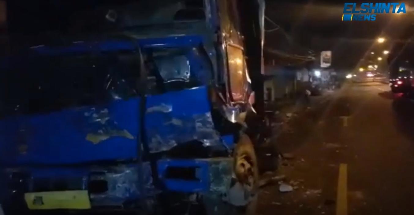 Kecelakaan maut 4 kendaraan di Pasuruan